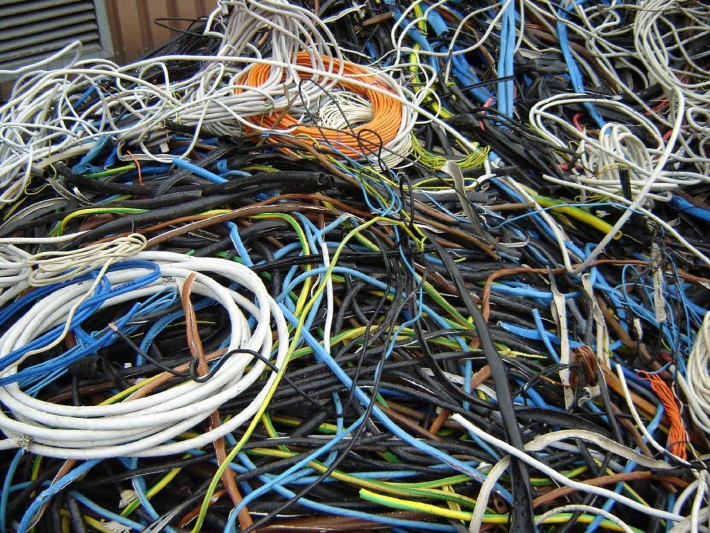 Прием кабеля в оплетке